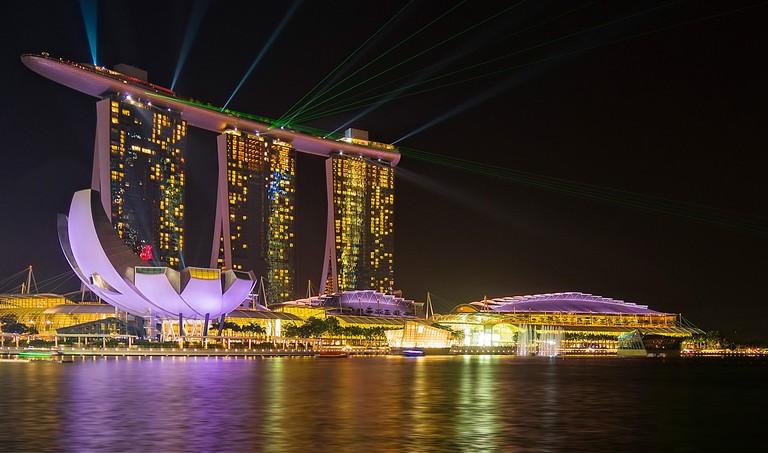 Marina Bay light show © heikelindner / Flickr
