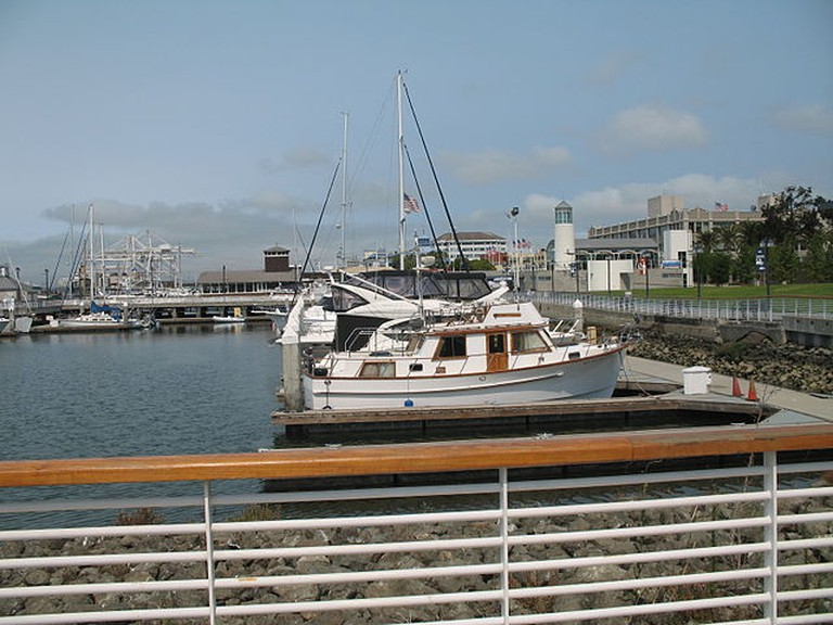 Jack London Square and Marina © Lrd1rocha/Wikimedia Commons