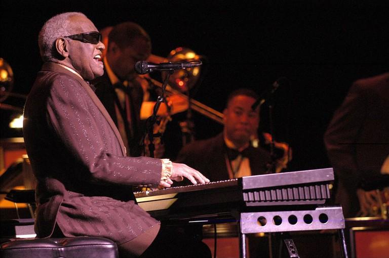 Ray Charles at Festival International de Jazz de Montréal, 2003 | © Victor Diaz Lamich/WikiCommons