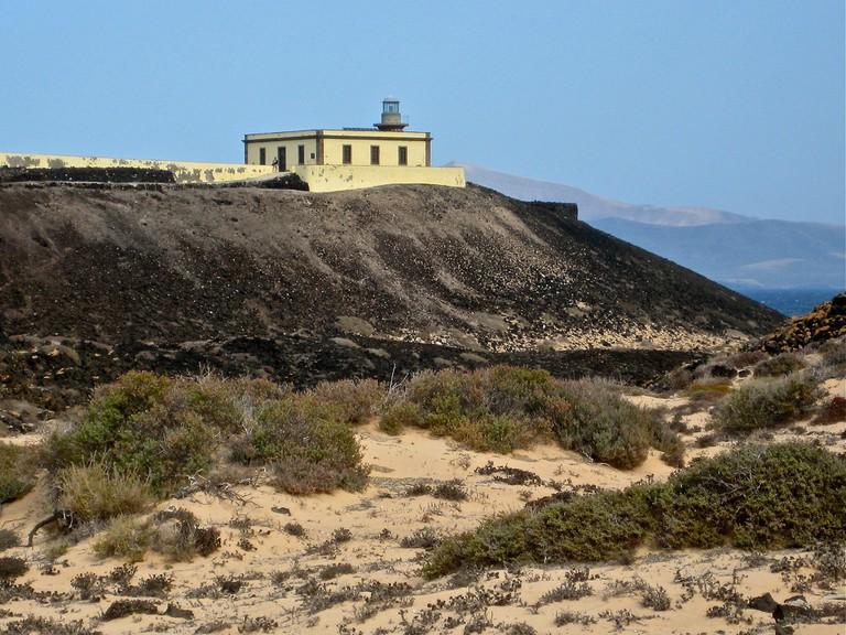 The lighthouse of Isla de Lobos | © Ina Widegren/Flickr