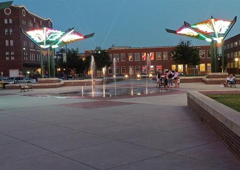 Old Town Square, Wichita | © Kristin Nador/Flickr