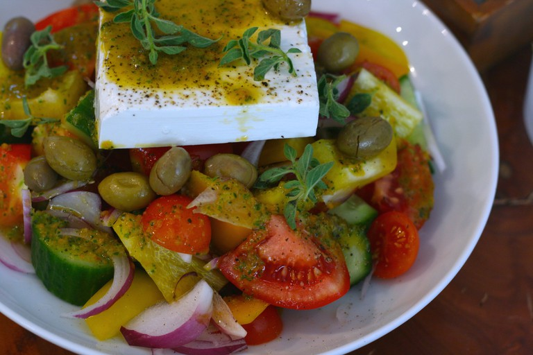 Greek Salad at Cafe XoHo | © Zoe Komarin