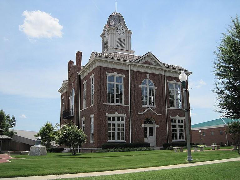 Paragould County Courthouse   Ⓒ Thomas R Machnitzki/WikiCommons