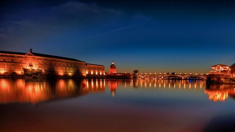 Night Draws on the Garonne | © Chantrybee/Flickr