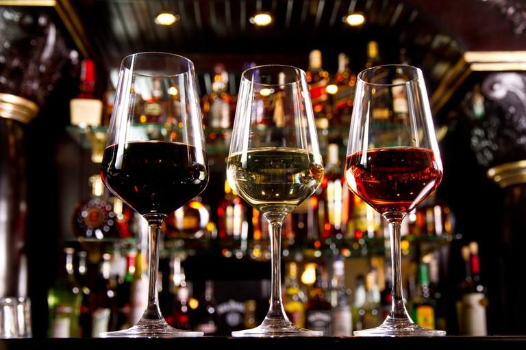 Wine Bar © Cristi Lucaci / Shutterstock