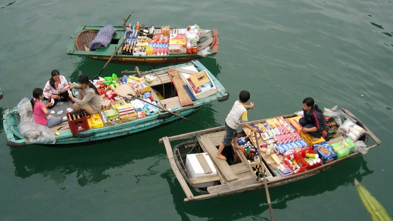 Food Vendors – Halong Bay, Vietnam