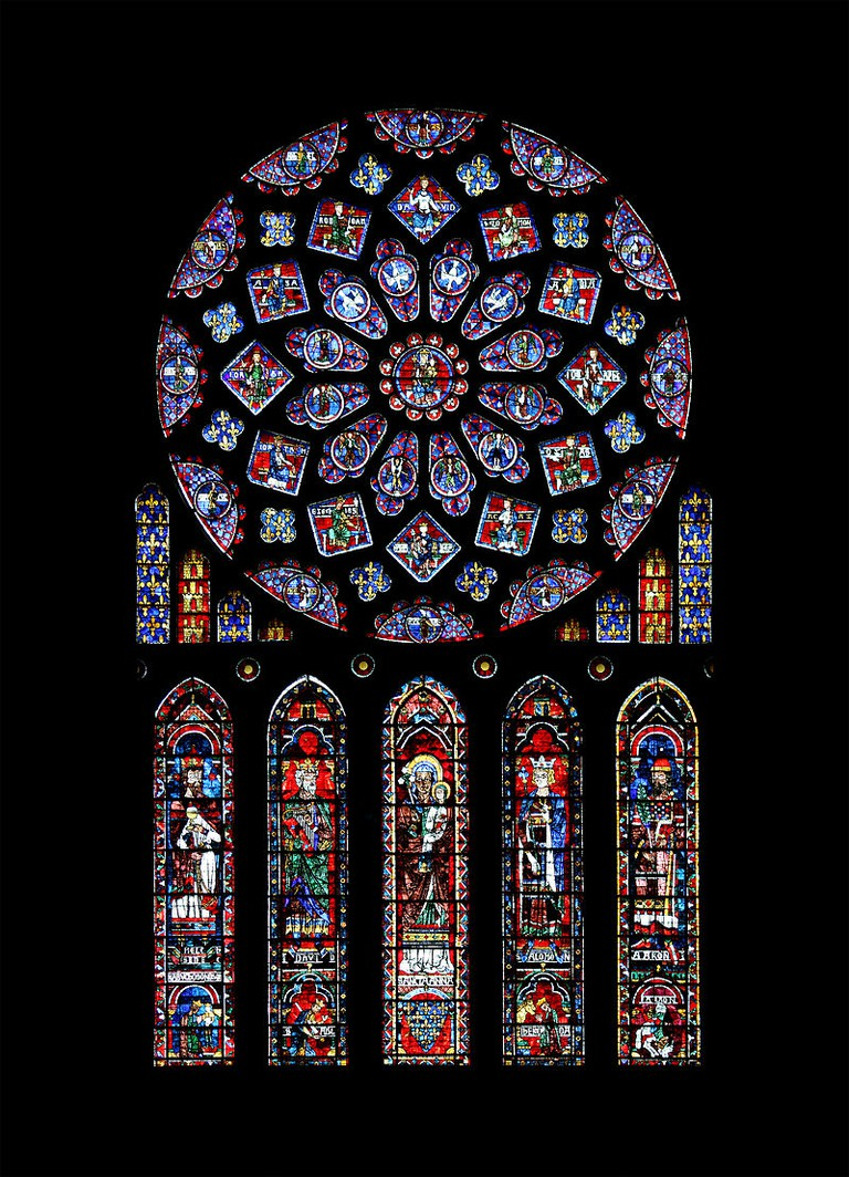 Rose window at Chartres Cathedral   © WikiCommons
