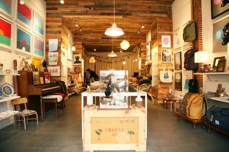 Hemingway and Pickett shop. © Marie Cradle
