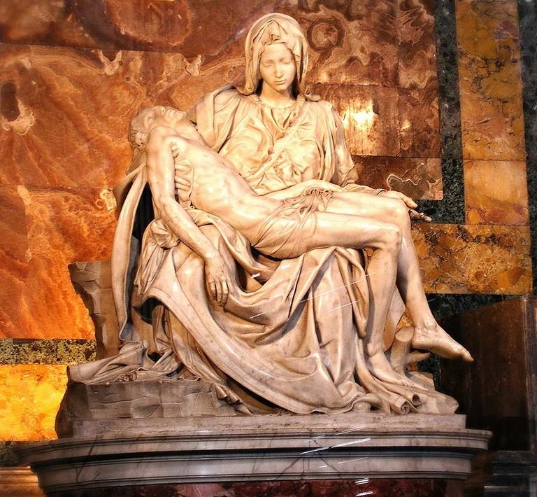 Michelangelo, Pietà, St. Peter's Basilica, Vatican City, 1499 | © paweesit/Flickr
