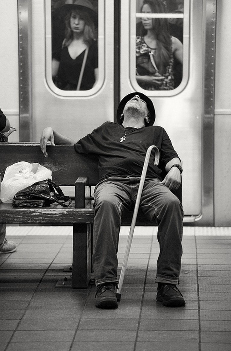 Relax hour for this hobo on Atlantic Avenue | © Dan M. Lee Photography