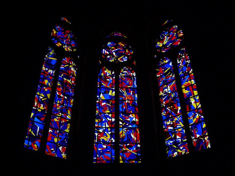 Imi Knoebel vitrail at Reims Cathedral   © WikiCommons