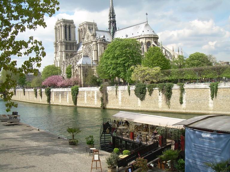 Notre Dame, Paris   © Alexsrbija Pixabay