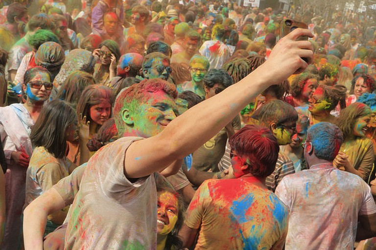 Youngsters Involved In Playing the Festival Of Colours (c) Pabak Sarkar/Flickr