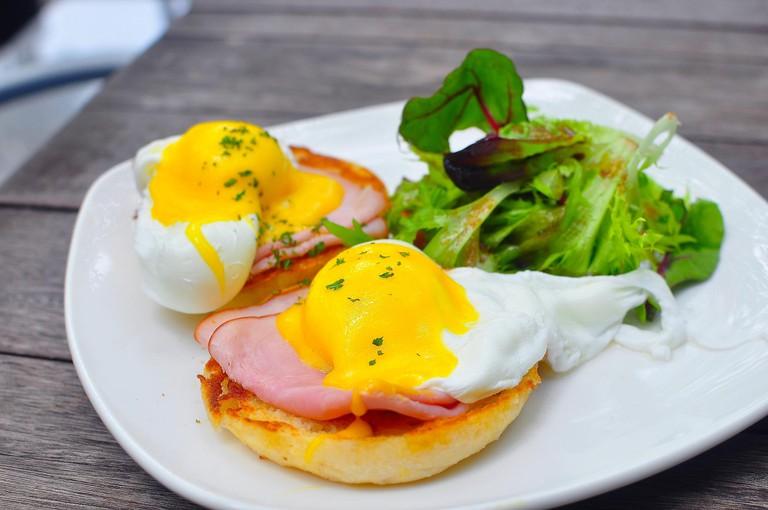 Eggs Benedict | © JH Tan/Flickr