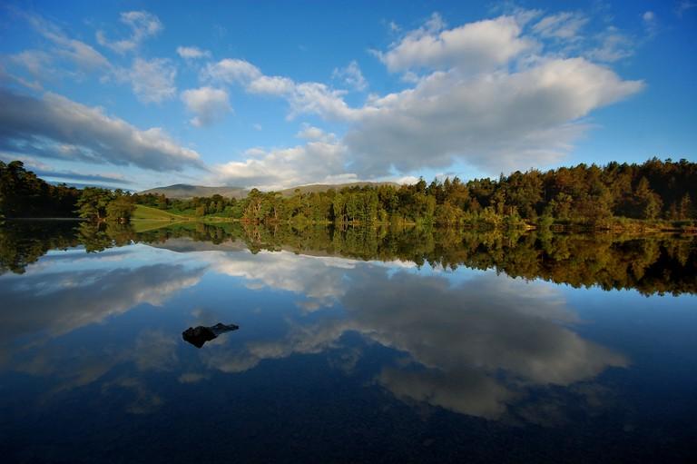 Daybreak at Tarn Hows   © blinking idiot/Flickr