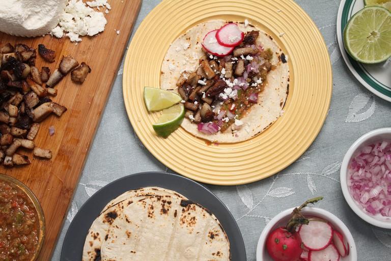 Chicharron (Pork Belly) Tacos   © Ribs / Flickr