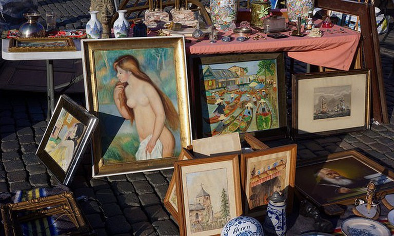 The Jeu de Balle Flea Market /©sam.romilly/Flick