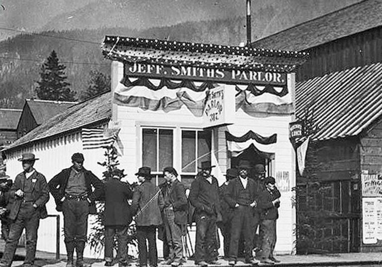 Old West Parlor © Webster & Stevens/Wikipedia