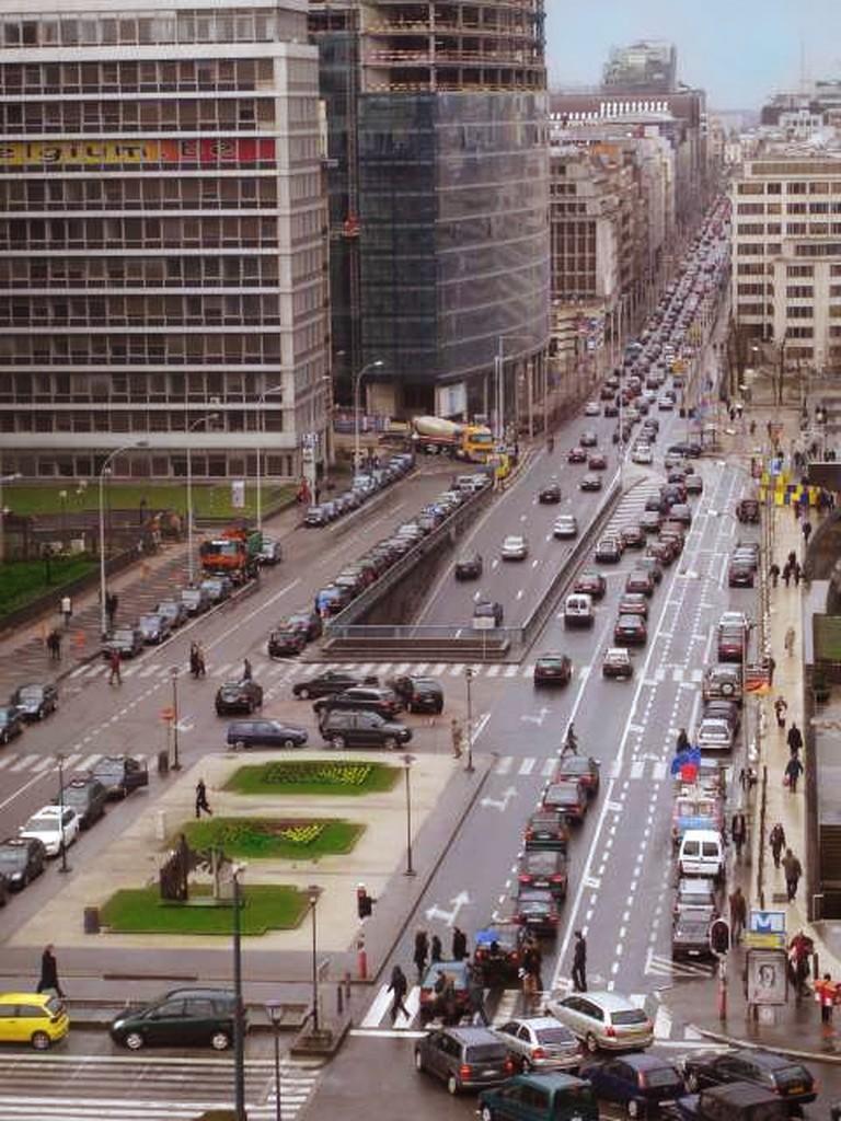 https://en.wikipedia.org/wiki/Rue_de_la_Loi#/media/File:Wetstraat.jpg