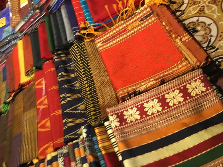 Textiles of Laos © Lindy Buckley / Flickr