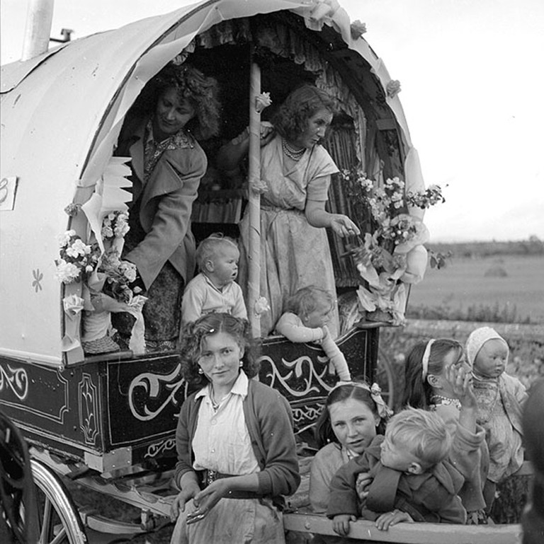 Irish Travellers in 1954 | © National Library of Ireland/WikimediaCommons