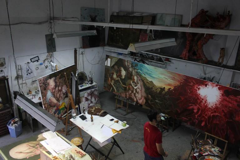 Enric Sant in the studio   Courtesy of Enric Sant