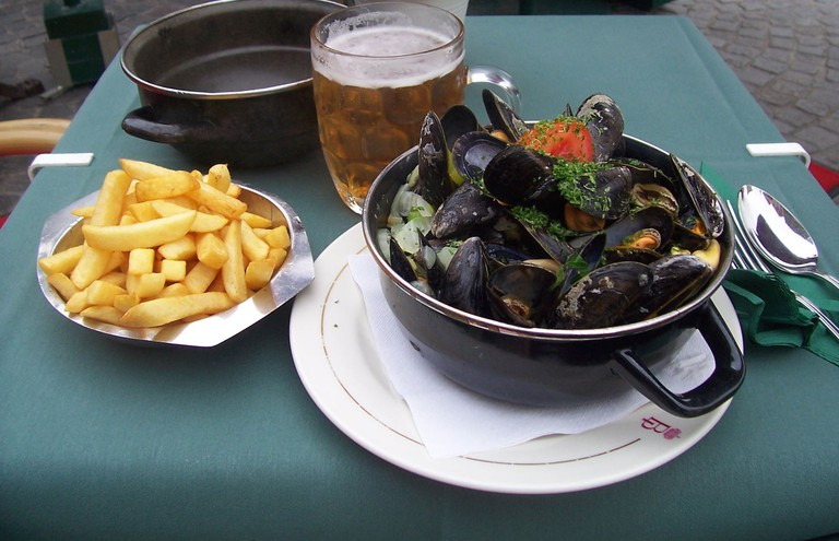 Moules frites, Belgium © Colin Cameron / Flickr