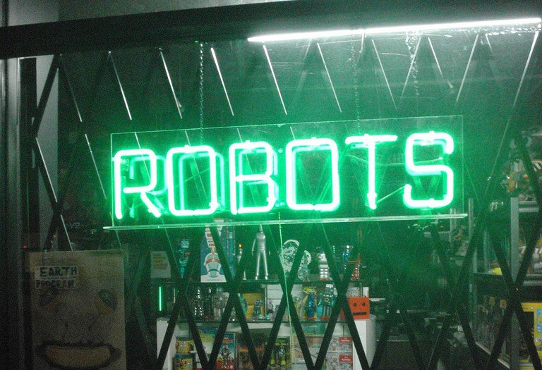 robots | ©Anthony Easton/flickr
