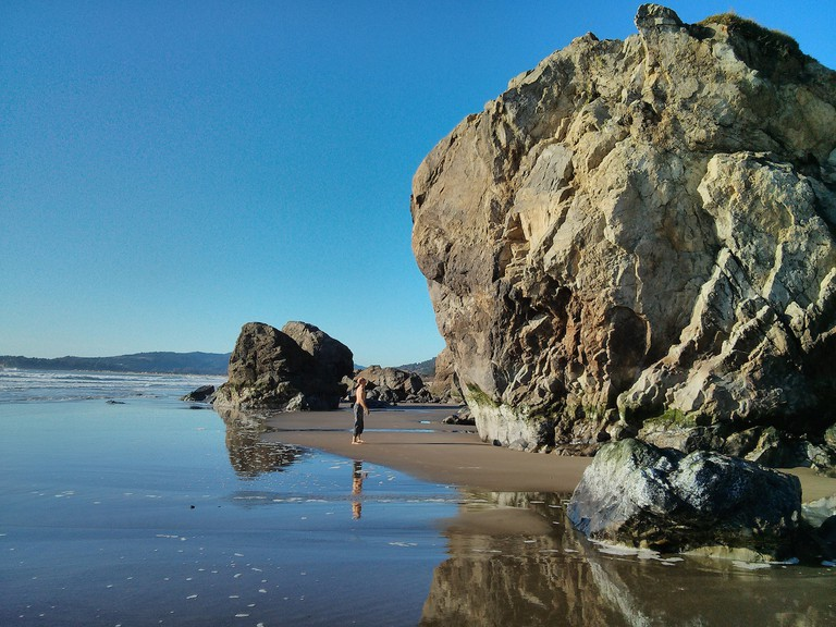 Huge boulders at Stinson Beach | © Mark Doliner/Flickr