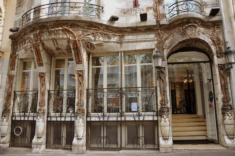 Art Nouveau facade at no. 34, Avenue Wagram/ ©Moonik/Wikicommons