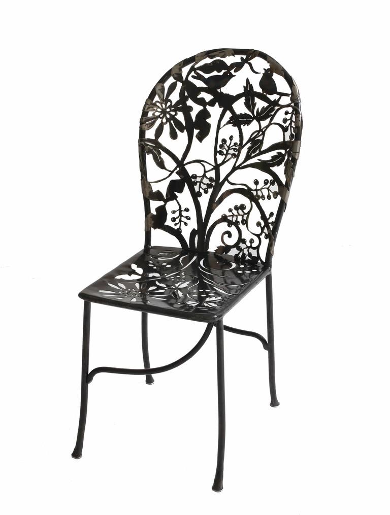 Wrought iron Cerasis chair | © Isabelle de Borchgrave