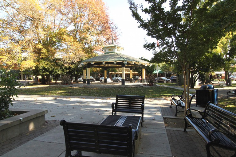 Healdsburg Plaza © Prayitno/Flickr