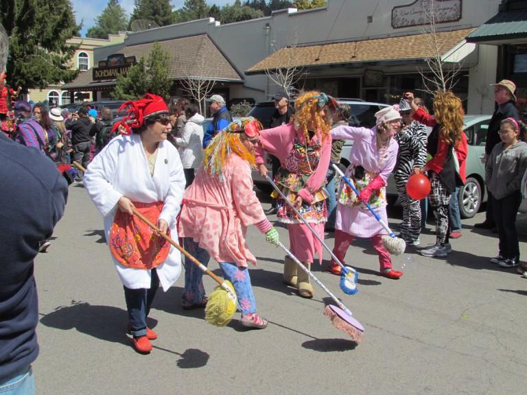 Fool's Parade in Occidental © David Berry/Flickr