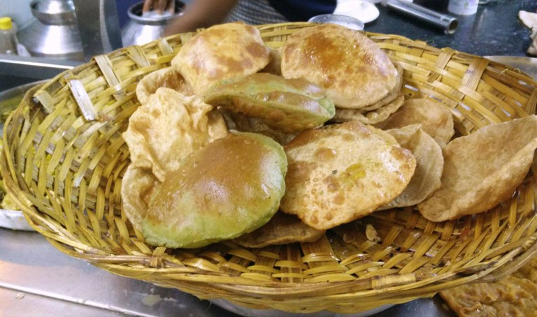 Assortment of puris | © Out Of Focus Pictures