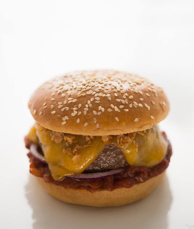 Burger at It Rocks|Photo Courtesy of En Rang D'Oignons