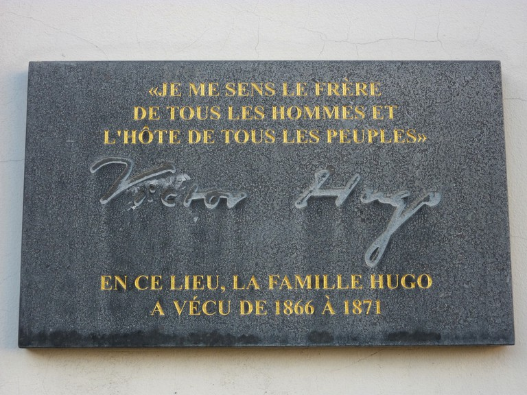 Plaque at Place des Barricades | © K.Clerckx