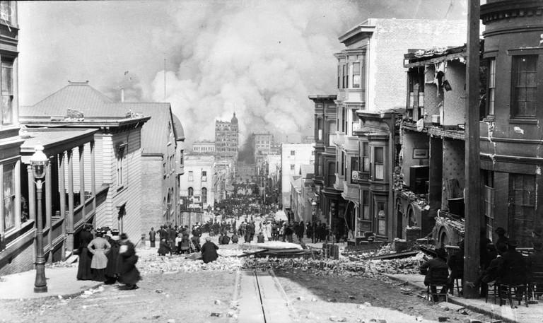 Barbary Coast after 1906 Earthquake © Arnold Genthe/Wikipedia