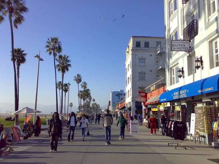 Venice Beach Boardwalk © Jon Rawlison/Flickr