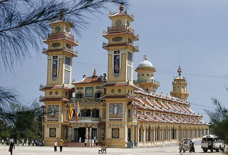 Caodaism's spiritual center, Tay Ninh | © manhhai/Flickr