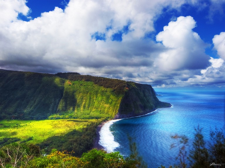 Waipio Valley at Big Island, Hawaii | ©Paul Bica /Flickr