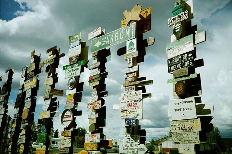 Watson Lake Sign Forest | © Dennis Yang/ Flickr