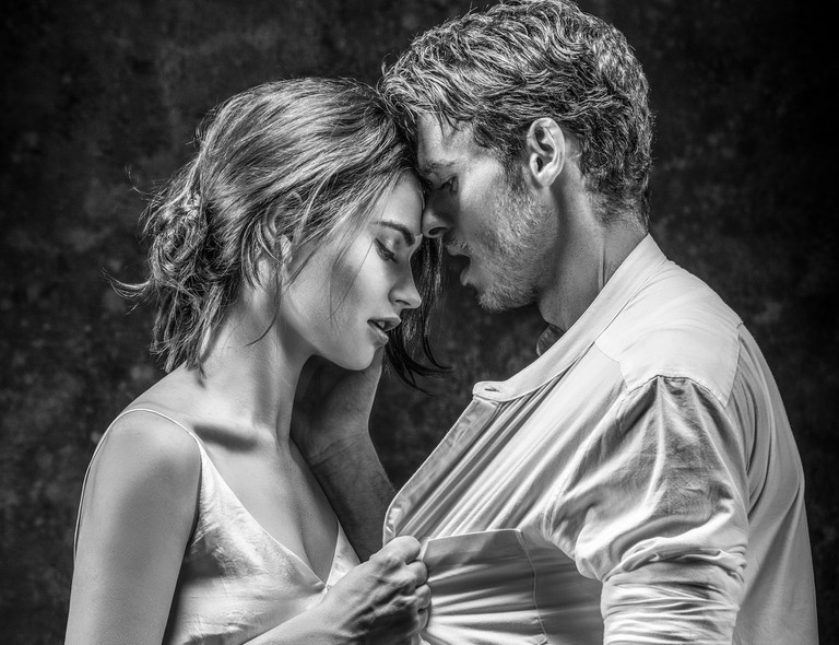 Lily James and Richard Madden | © Johan Persson