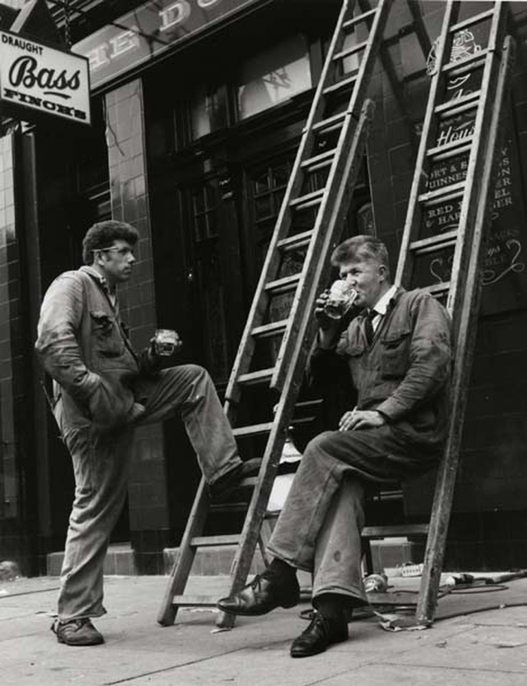 Notting Hill from Sixties London | © Dorothy Bohm / Jewish Museum