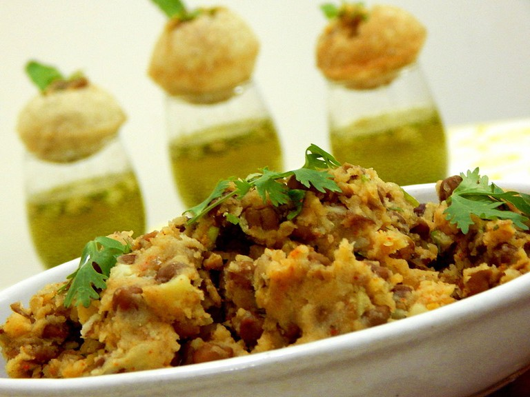 Potato Stuffing for pani puri/©Zeel Patel/WikiCommons