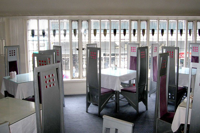 The Room de Luxe at The Willow Tearooms, Glasgow designed by Charles Rennie Mackintosh in collaboration with Margaret MacDonald | WikiCommons