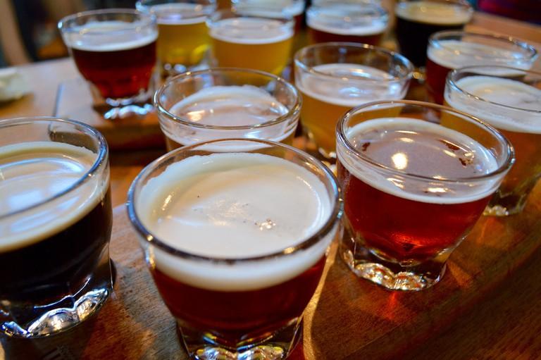 Beer flights | © Lauren Topor/Flickr