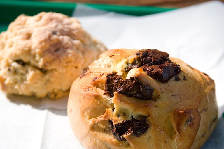 Chocolate Pastry and Scone Arizmendi | © Brad Greenlee/Flickr