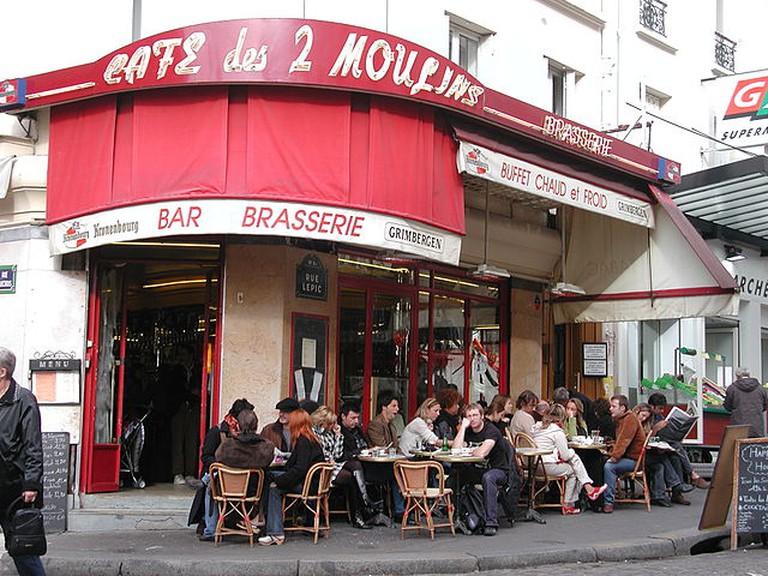 Café des Deux Moulins © Jeremy Pearson/WikiCommons
