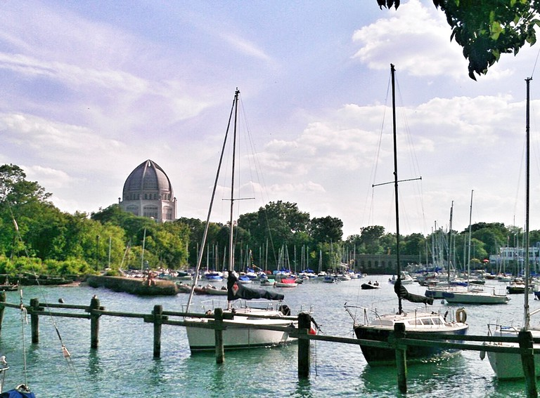 Harbor and temple | © stephanie.lafayette/Flickr