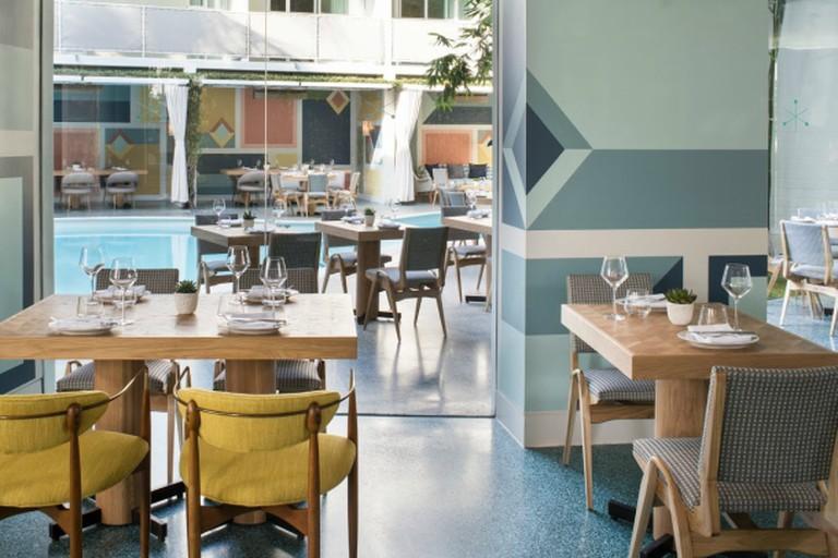 Inside/Outside Dining (credit: Viviane Restaurant)